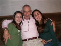 Mike Saunders with his daughters Emily and Tania, Dec 2005